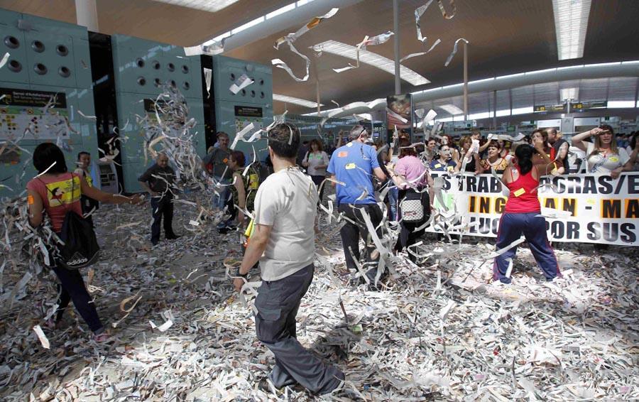 barselona04 Аэропорт Барселоны превратился в свалку