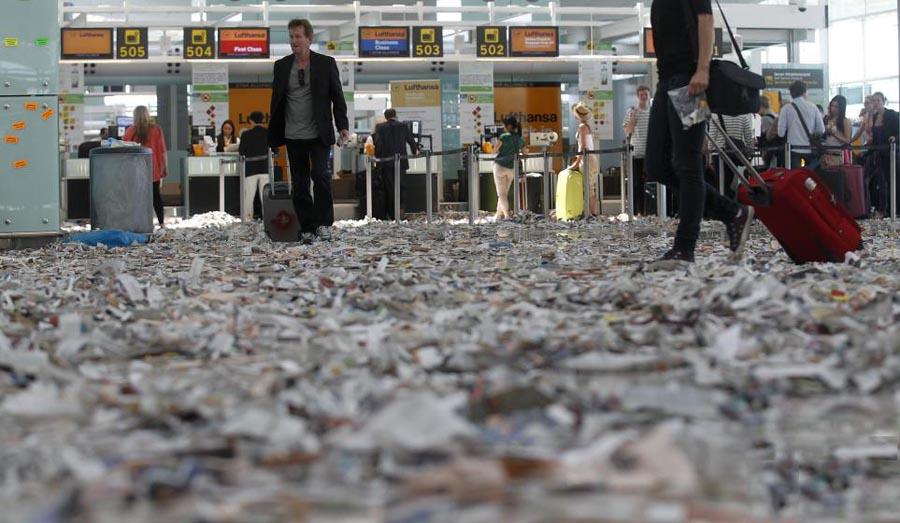 barselona06 Аэропорт Барселоны превратился в свалку