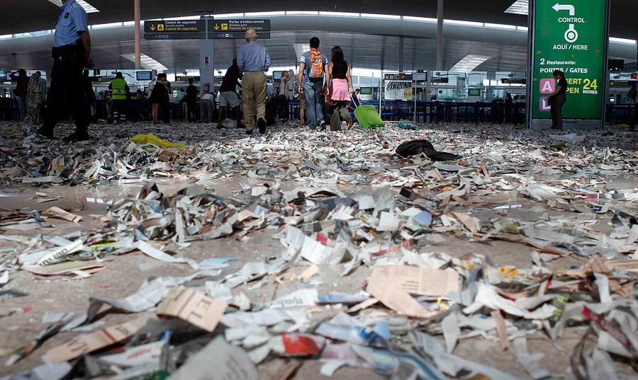 barselona10 Аэропорт Барселоны превратился в свалку
