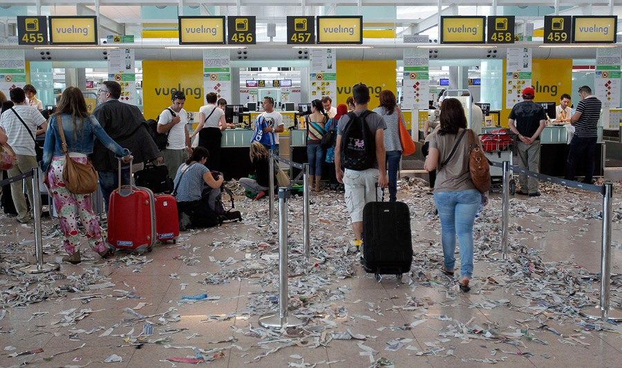 barselona12 Аэропорт Барселоны превратился в свалку