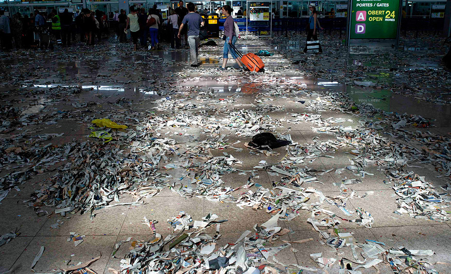 barselona13 Аэропорт Барселоны превратился в свалку