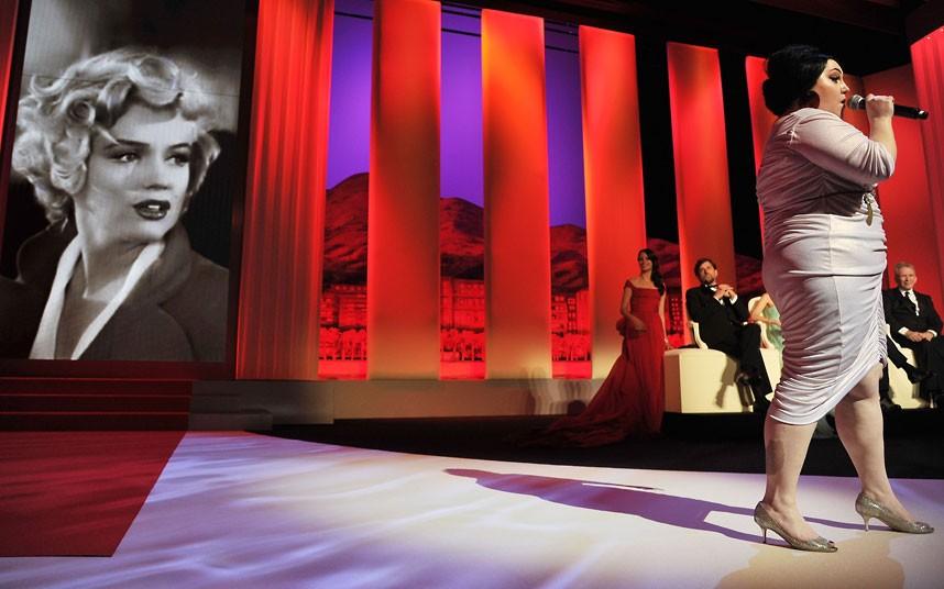 beth ditto perform 2222003k Открытие 65 го Каннского кинофестиваля