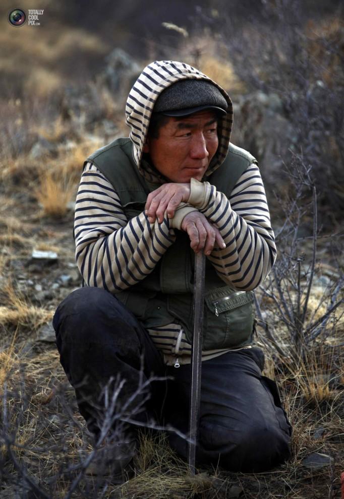 mongolia 008 682x990 Шахтеры ниндзя: Добыча золота в Монголии