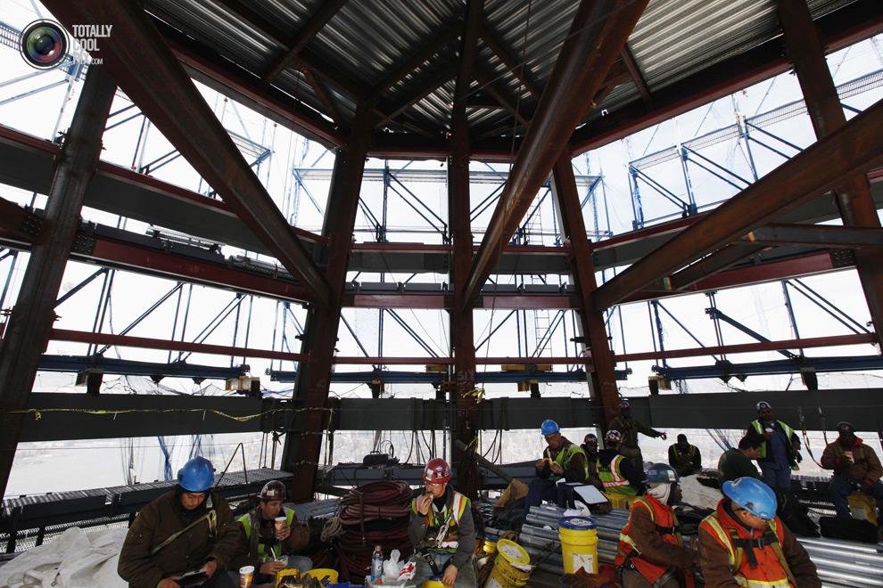 oneworldtrade 023 Строительство Всемирного торгового центра 1 в Нью Йорке