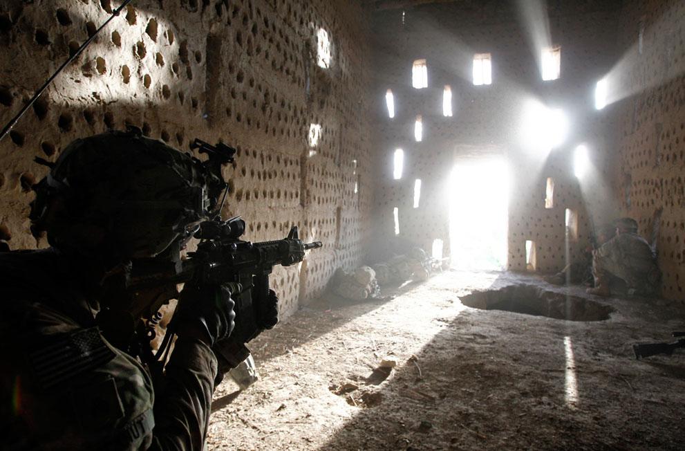 s a01 RTR3199H Афганистан: апрель 2012