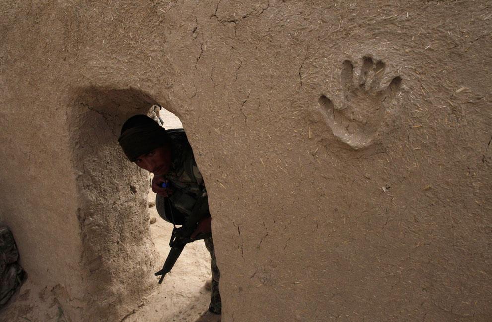 Апрель. Афган. Война не кончается.