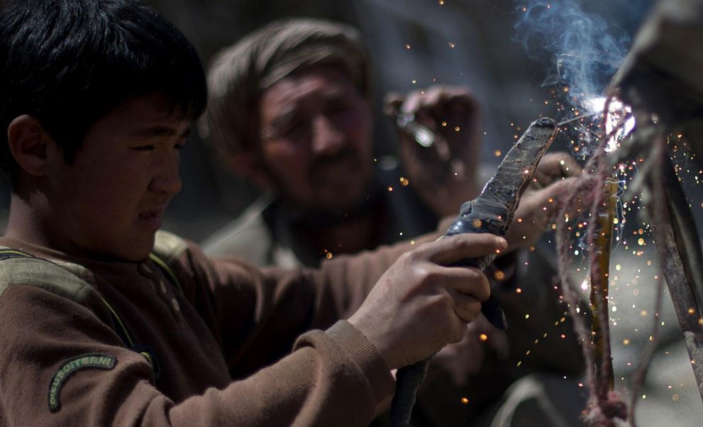 s a28 42659069 Афганистан: апрель 2012