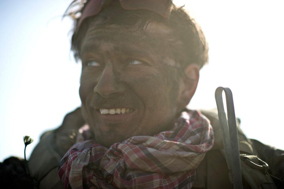 s a35 15038385 Афганистан: апрель 2012