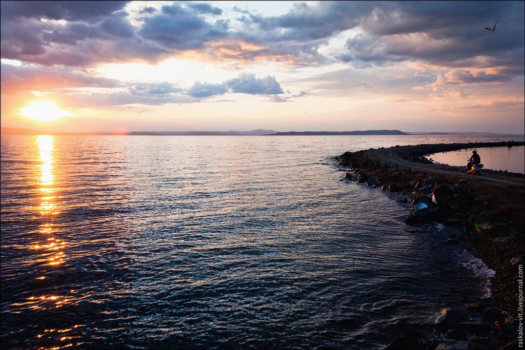 Самые головокружительные фотографии Владивостока от московских руферов