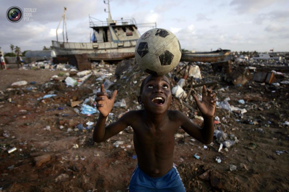 0 221 Весь мир играет в футбол