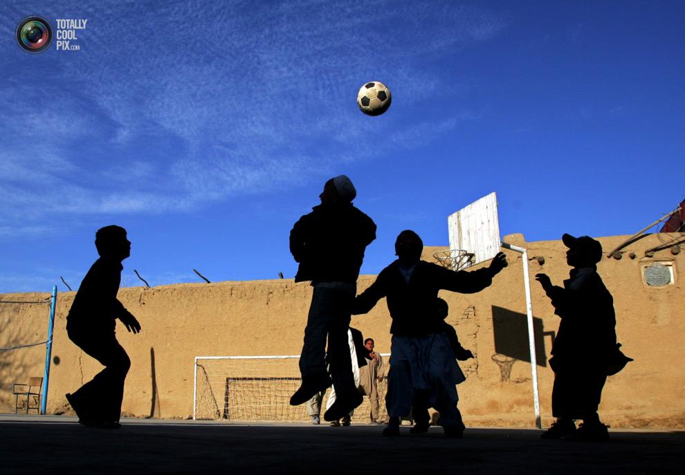 0 241 Весь мир играет в футбол