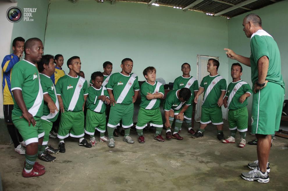 0 71 Весь мир играет в футбол