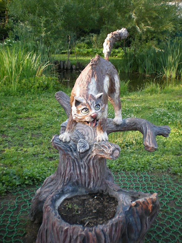 029 мытищи Скульптуры и памятники кошкам