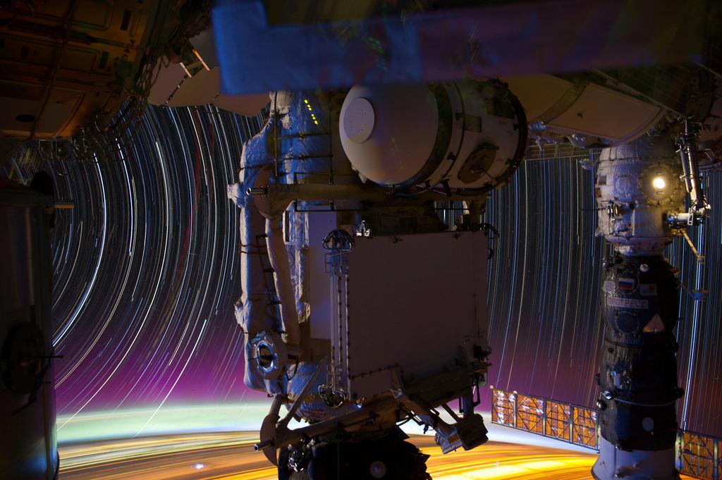 1155 Звездные следы   фото с МКС
