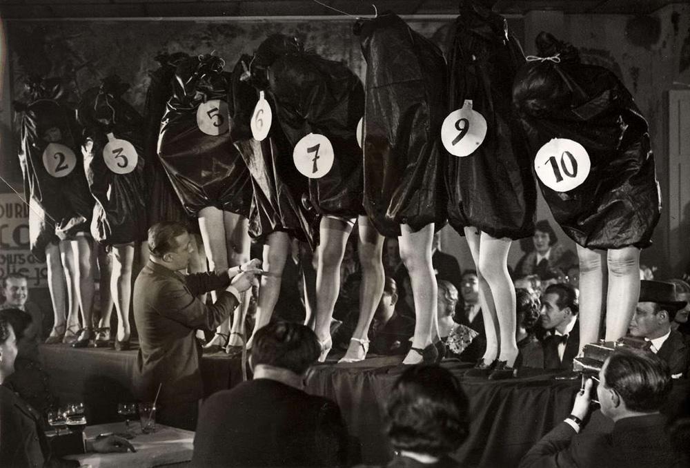 1220 Женские ноги на ретро фотографиях