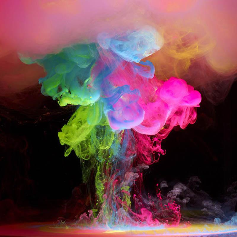 126 Мир красочной воды