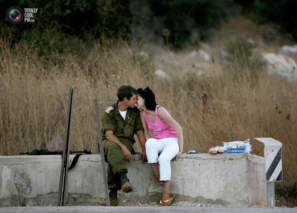 1293 Вырази свои чувства в поцелуе