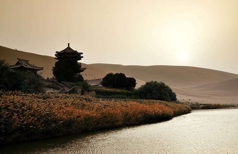 133 Озеро полумесяц   китайский оазис в пустыне