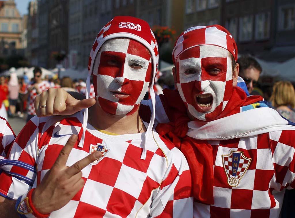 1890 Горячие фаны Евро 2012
