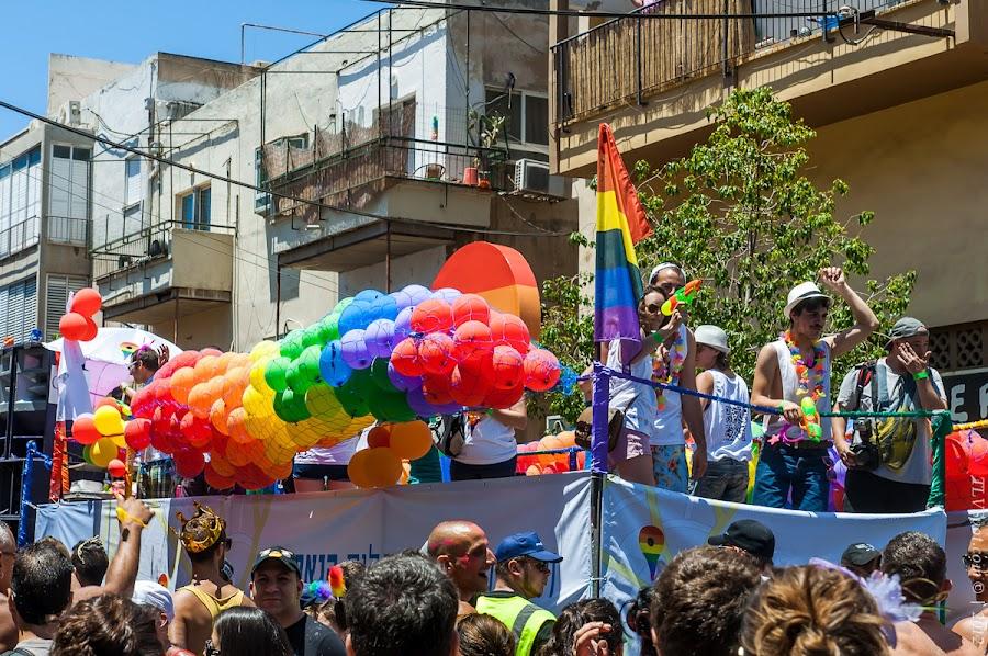 1954 Тель Авивский Гей Парад 2012