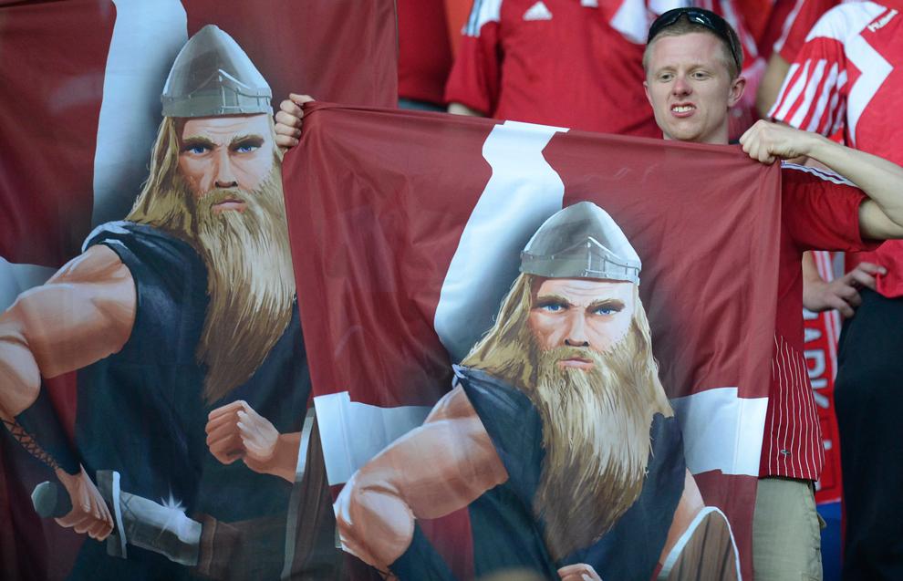 2241 Евро 2012   фанаты