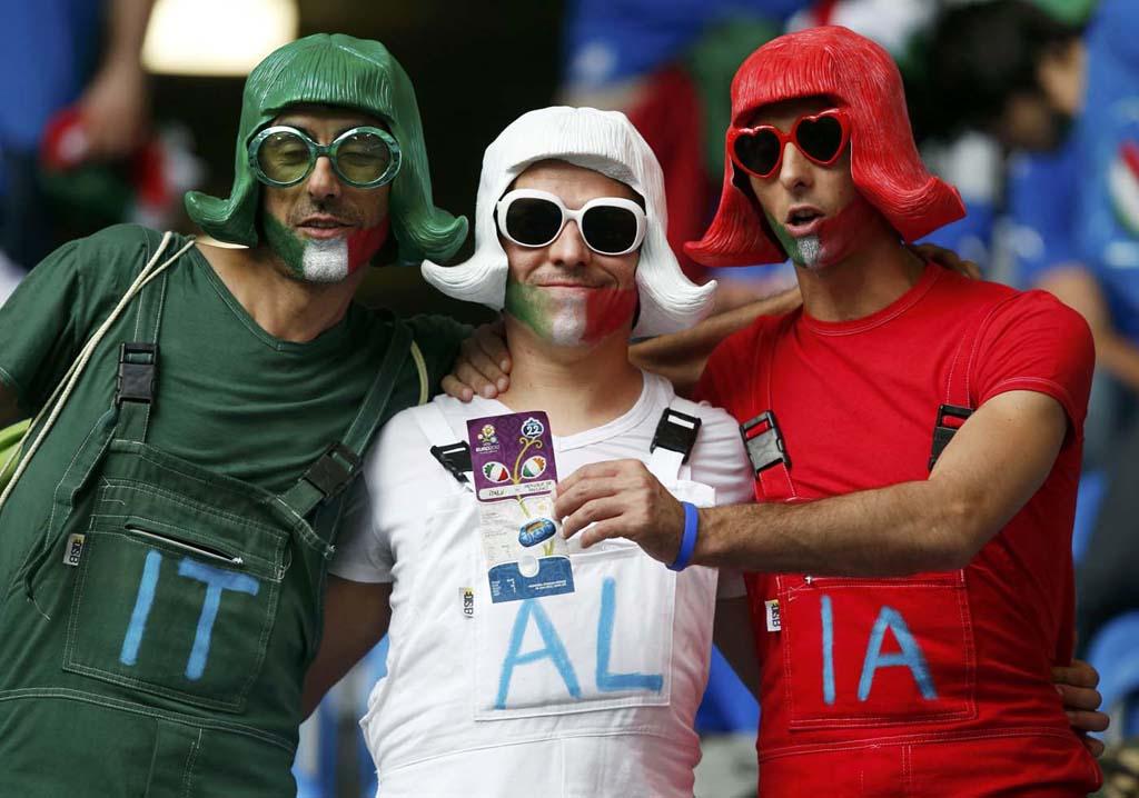 2370 Горячие фаны Евро 2012