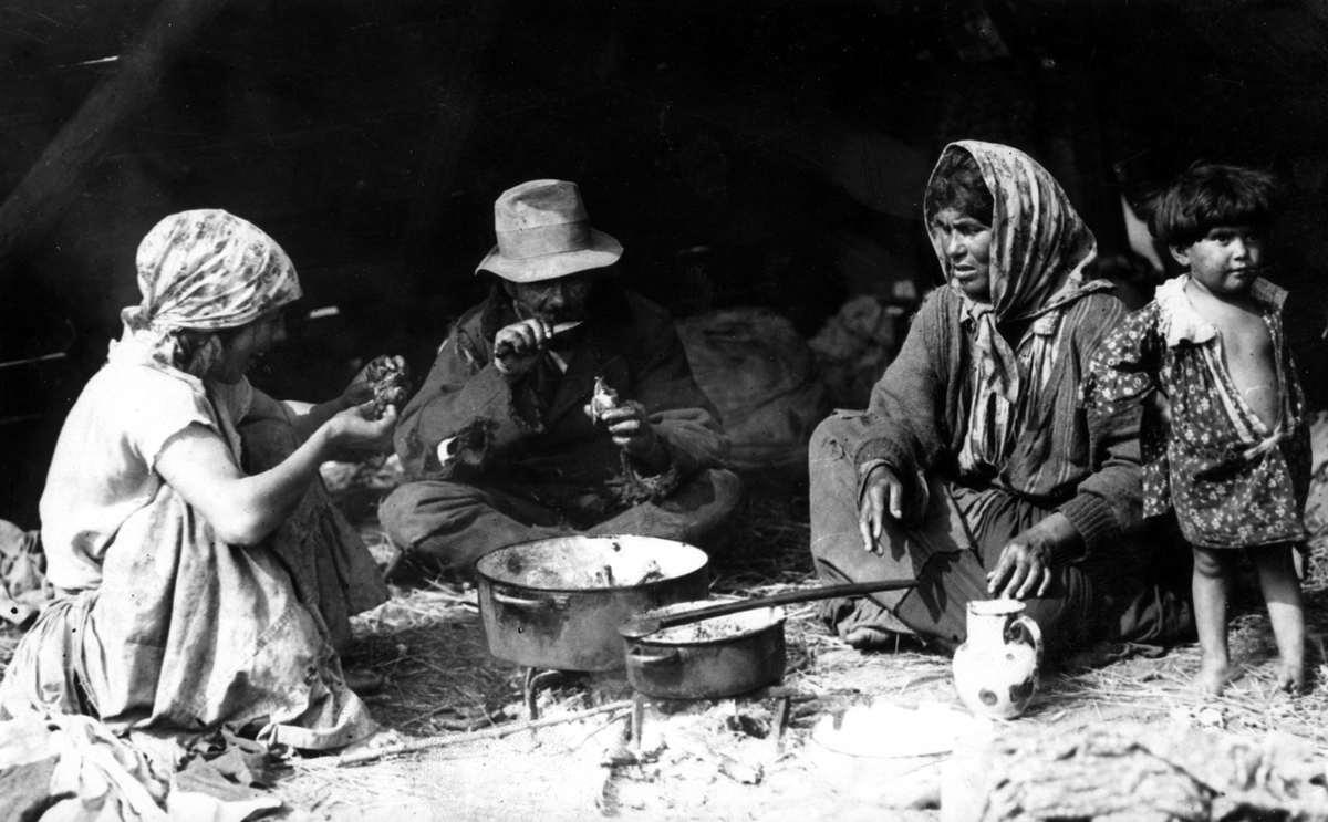 2830 Жизнь цыган в Европе до Второй Мировой войны