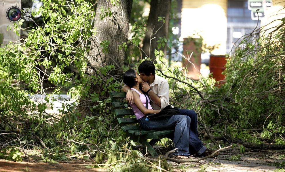 2928 Вырази свои чувства в поцелуе