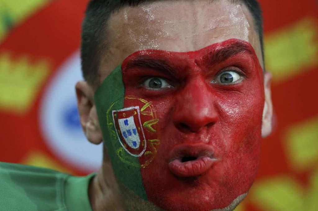 3040 Горячие фаны Евро 2012