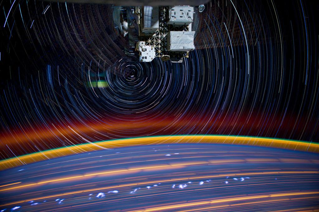 3100 Звездные следы   фото с МКС