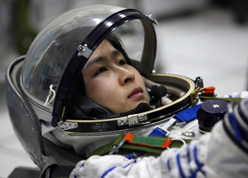 3169 Первая китайская женщина астронавт