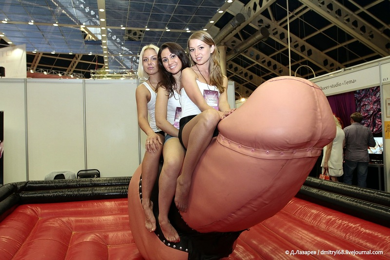343 На выставке для взрослых «X'show 2012″ в Москве