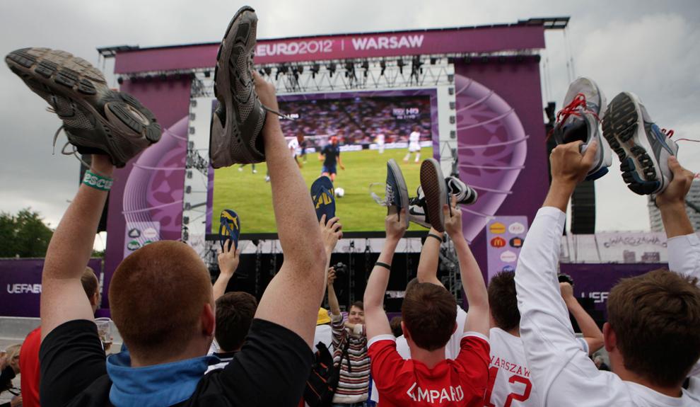 3519 Евро 2012   фанаты