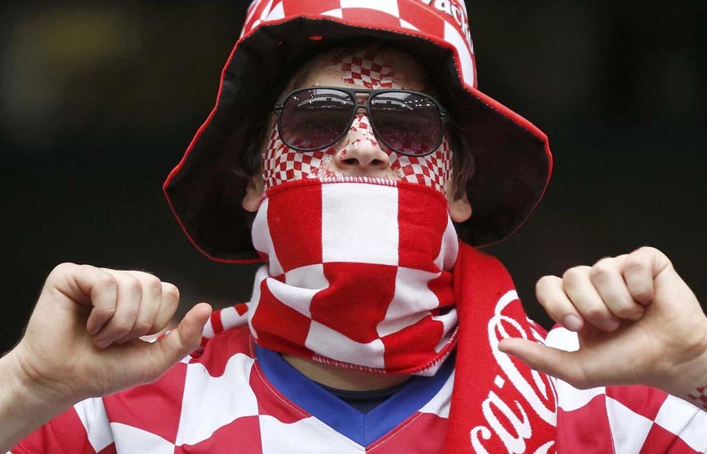 3629 Горячие фаны Евро 2012