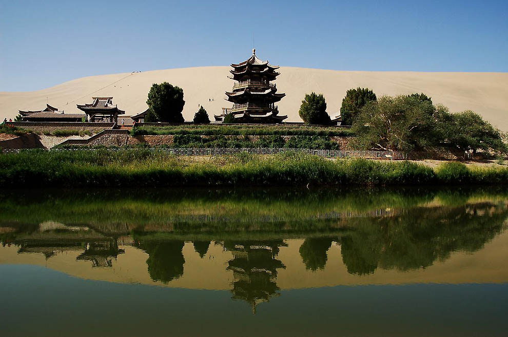 410 Озеро полумесяц   китайский оазис в пустыне