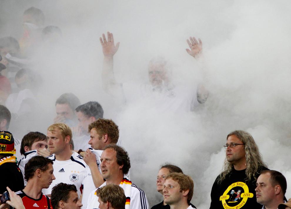 4104 Евро 2012   фанаты