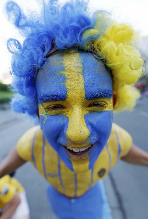 4220 Горячие фаны Евро 2012