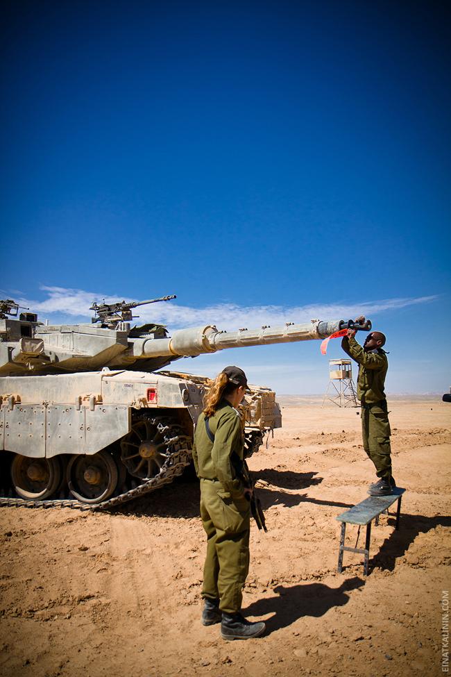 427 Женщина с танком