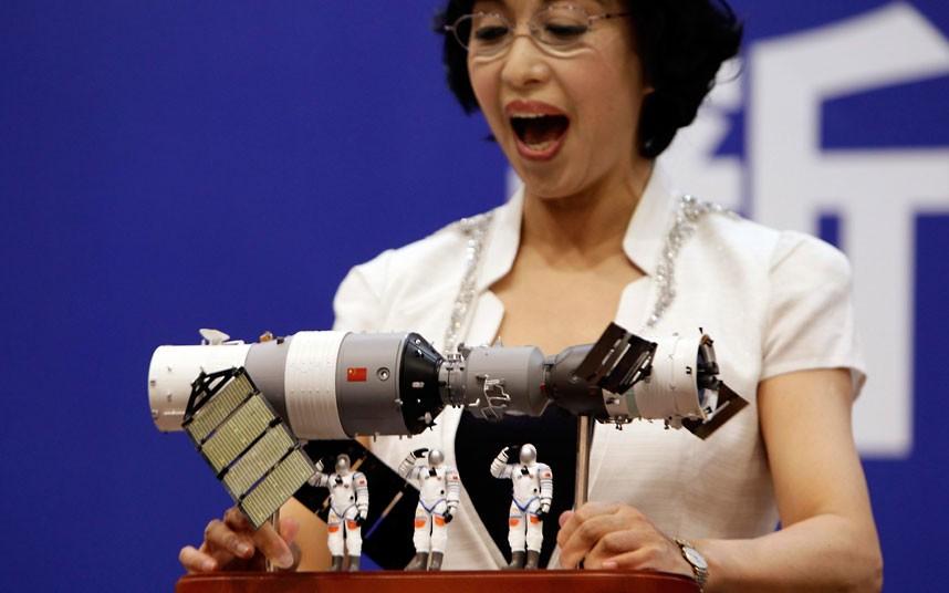 6102 Первая китайская женщина астронавт
