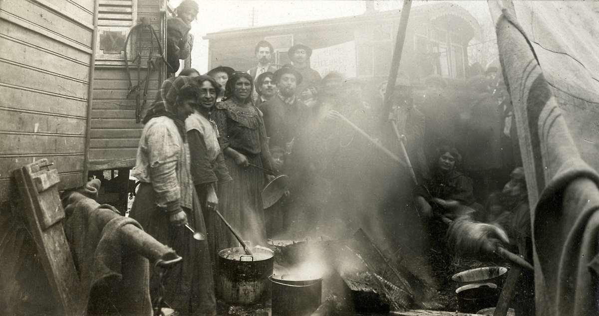 6107 Жизнь цыган в Европе до Второй Мировой войны