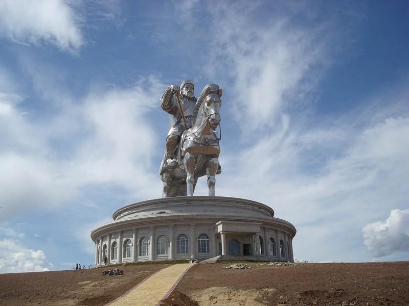 68 800x600 Статуя Чингисхана