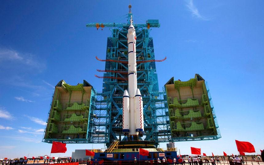 795 Первая китайская женщина астронавт