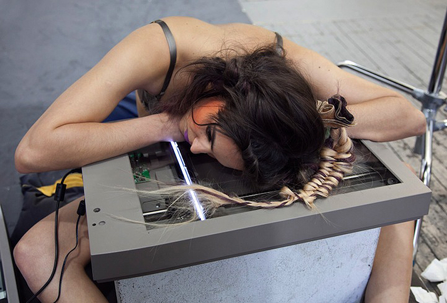 Модная фотосессия, проведенная при помощи сканера