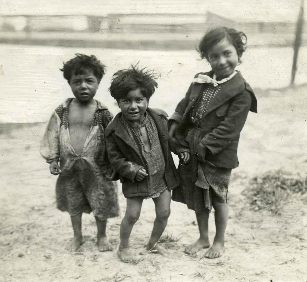 893 Жизнь цыган в Европе до Второй Мировой войны