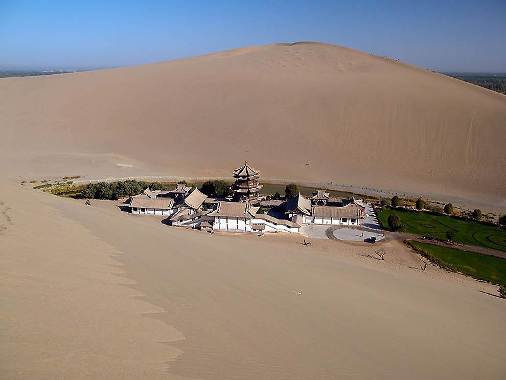 93 Озеро полумесяц   китайский оазис в пустыне