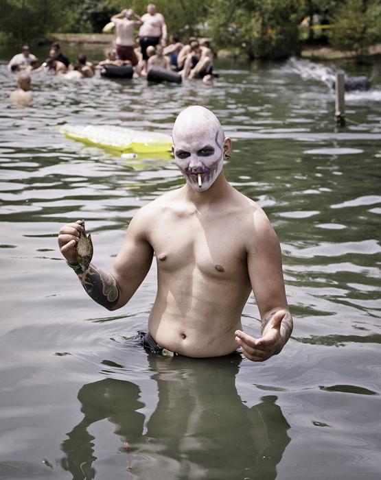 943 Джагголо: сборище адских клоунов