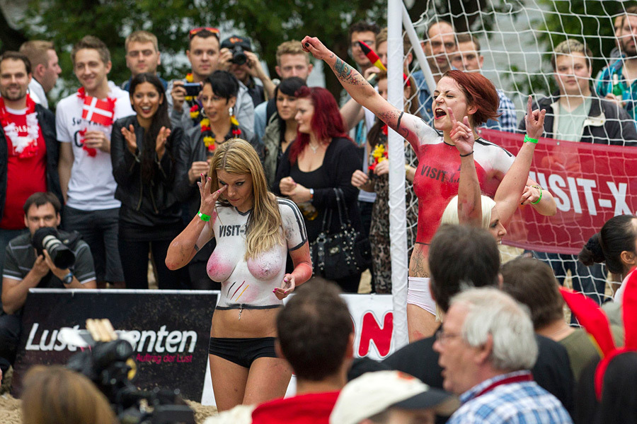 Матч порно актрис германии и дании видео