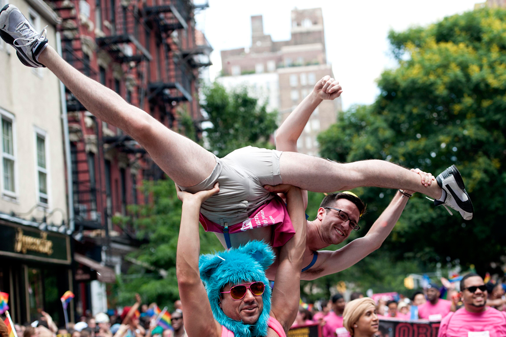 LGBT 32 Гей парады во всем мире 2012