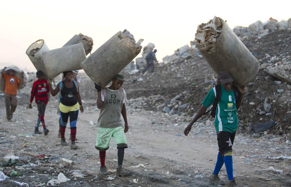 dumpster05 Закрытие гигантской свалки в Рио де Жанейро