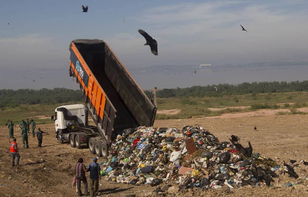 dumpster11 Закрытие гигантской свалки в Рио де Жанейро